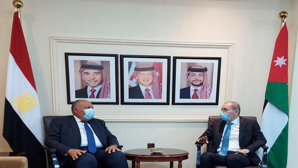 وزير الخارجية يلتقي نظيره المصري للتصدي للممارسات الإسرائيلية اللاشرعية