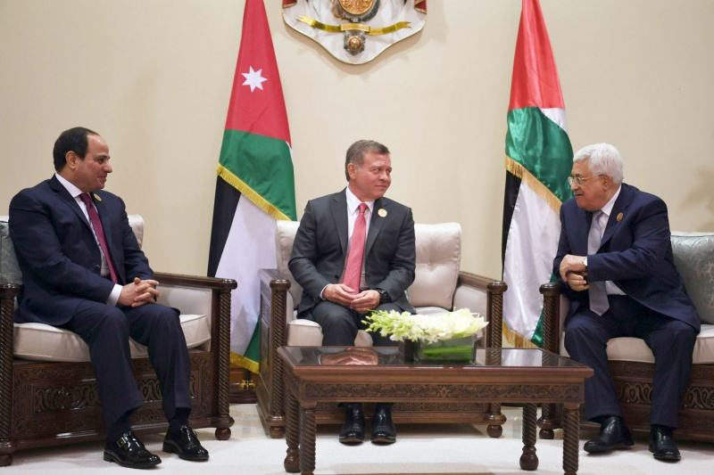 قمة أردنية فلسطينية مصرية في القاهرة للتأكيد على حل الدولتين